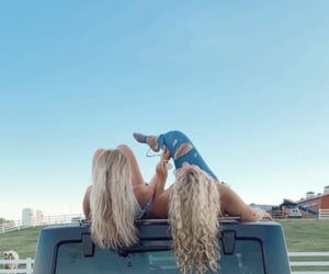 best friends, blonde hair, and blue image