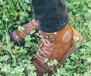 boots, calcado, and fashion image