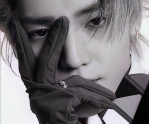 black and white, lee taeyong, and superm image