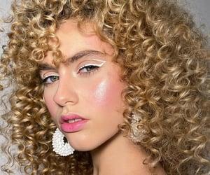 hair, mirada, and belleza image