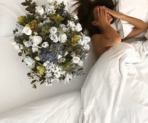 lifestyle, flowers, and girl image