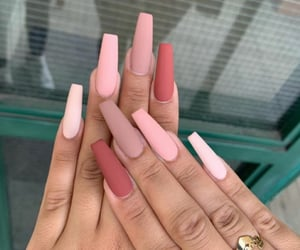 nails, ongles, and pink image