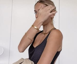 accessories, blonde girl, and chic image