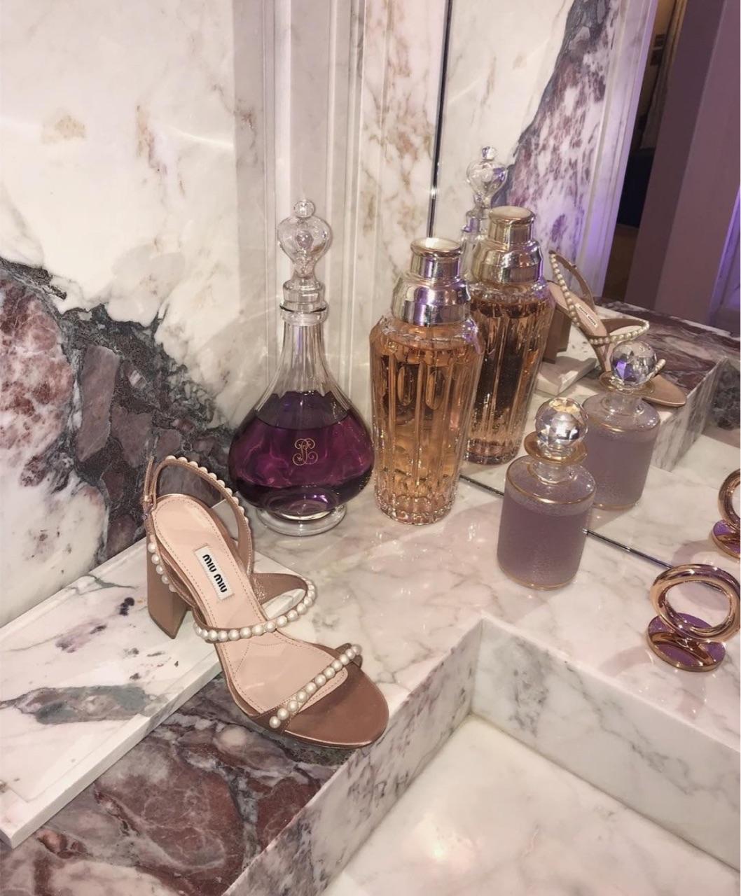 perfume image