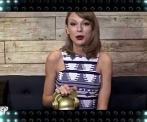2016, award, and music award image