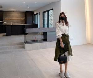 chic, minimal, and parisian style image