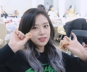 kpop, yujin, and lq image