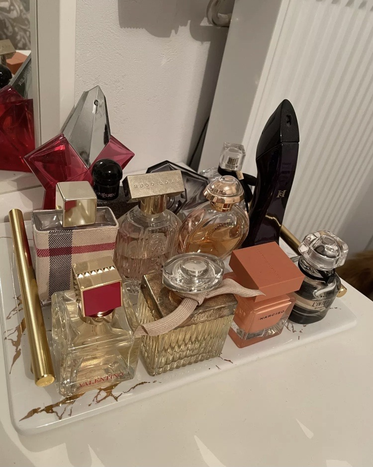 addict, brands, and perfumes image