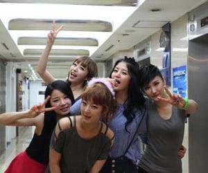 exid, hani, and jeonghwa image