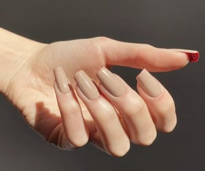 press on nails, fake nails, and nails image