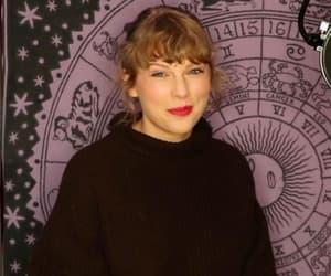 2020, Taylor Swift, and ama image