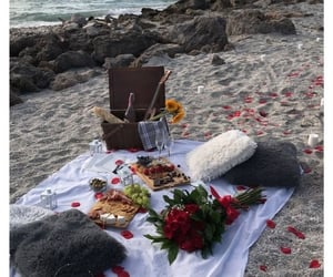 beach, picknick, and blanket image