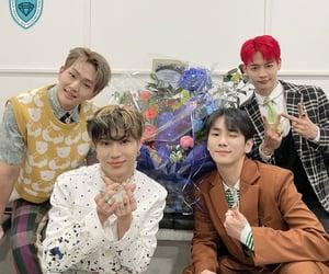 flowers, key, and kpop image