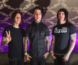bands, singer, and falling in reverse image