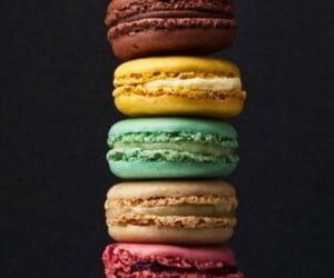 Cookies and ‎macarons image