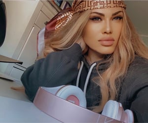 blond, hair, and lips image