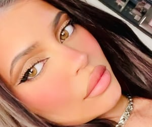 new and kylie jenner image