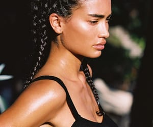 kelly gale and model image