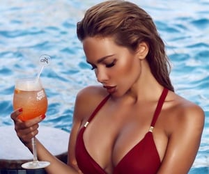 alcohol, beauty, and drinks image