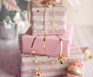christmas, gifts, and pink image