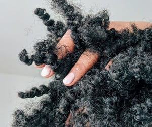 cheveux, curly, and haïr image