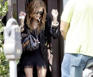 mary kate olsen and y2k image