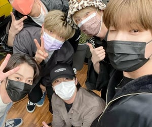 day6, onewe, and selca selfie image