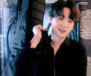 gif, korean boy, and yoongi image