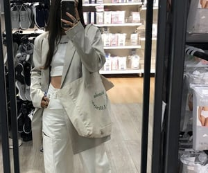 tote bag, white blazer, and everyday look image