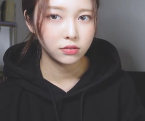 kpop, momoland, and sung jiyeon image