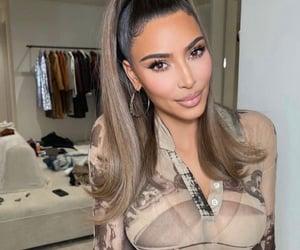 kim kardashian, fashion, and makeup image
