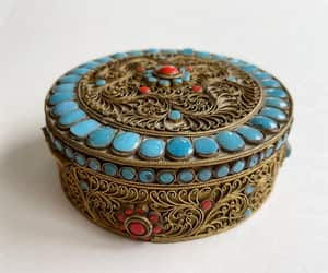 etsy, vintagevoguetreasure, and jewelry box image