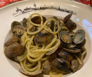delicious, dinner, and clams image