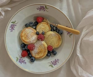 berry, blueberry, and pancakes image