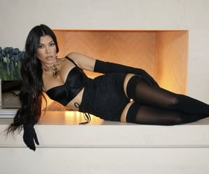 kim kardashian, khloe kardashian, and kardahsians image