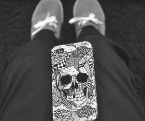 skull, iphone, and black and white image