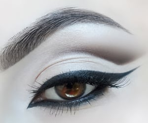 aesthetic, bridal, and eyeliner image