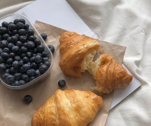 food, blueberry, and breakfast image