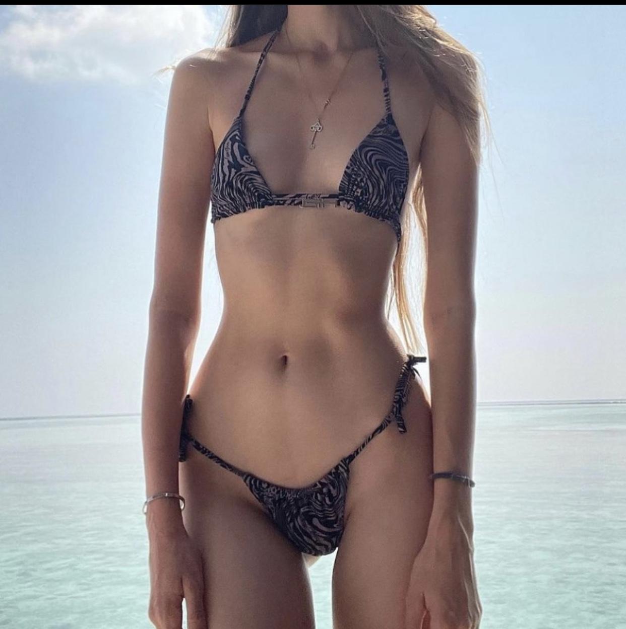 ana, article, and skinny image