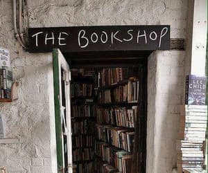 books and book store image