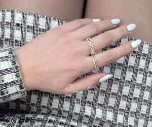 blogger, jewellry, and lookoftheday image