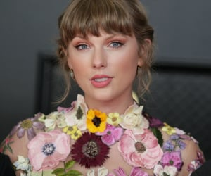 Taylor Swift and grammys image