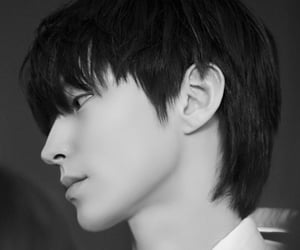 true beauty, hwang in yeop, and black and white image