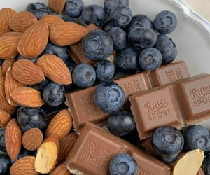 almond and chocolate image