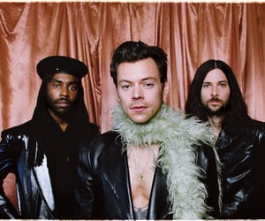 Harry Styles, grammys, and one direction image