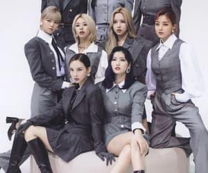 momo, jeongyeon, and JYP image