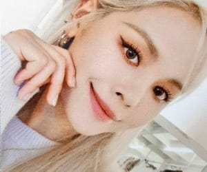 article, idol, and yeeun image