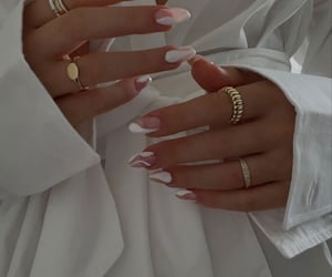 indie and nails image