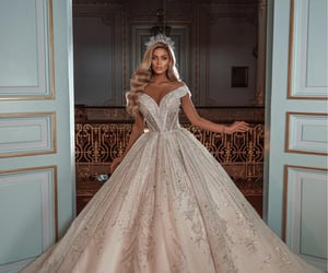 bridal, dress, and Queen image