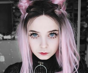 hair, pink, and gótic image